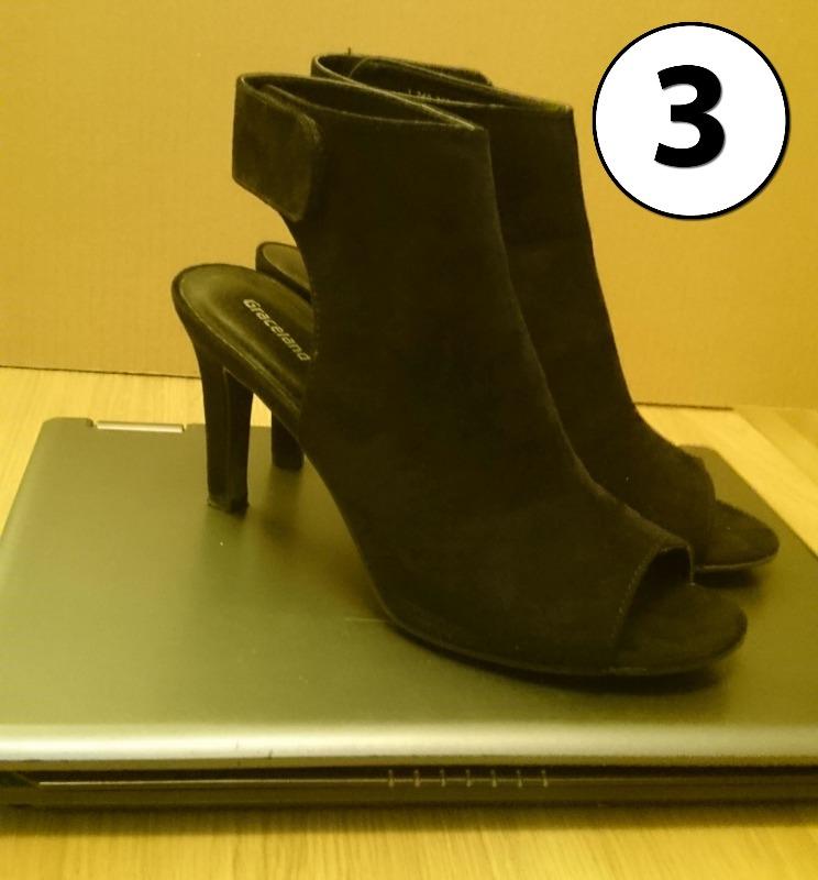 heelscrushlaptop3.jpg